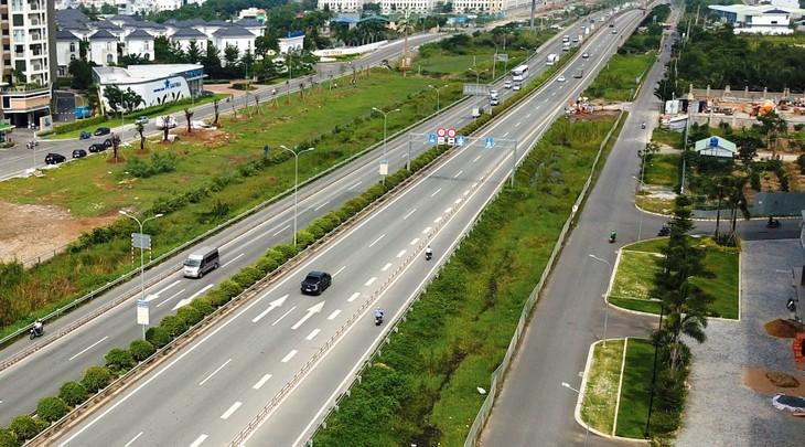 3 đoạn tuyến cao tốc Bắc - Nam chuyển sang đầu tư công kỳ vọng sẽ hoàn thành vào cuối năm 2021. Ảnh: Lê Tiên