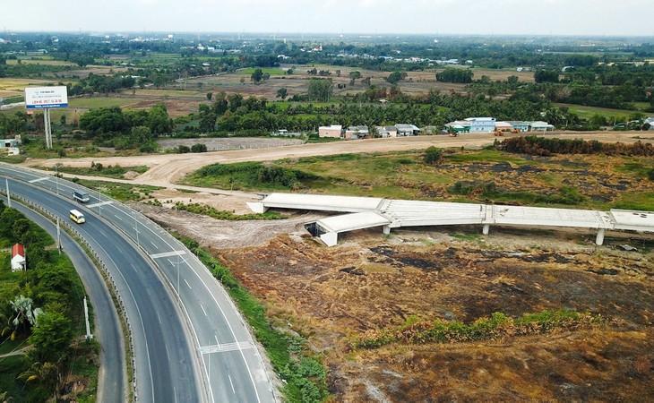 Dự án Cao tốc Mỹ Thuận - Cần Thơ, giai đoạn 1 có tổng mức đầu tư dự kiến là 4.827,32 tỷ đồng. Ảnh: Nhã Chi
