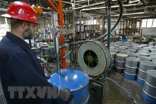 Giá dầu thế giới tăng 3% trước những dấu hiệu phục hồi của kinh tế Mỹ. Ảnh minh họa: TTXVN