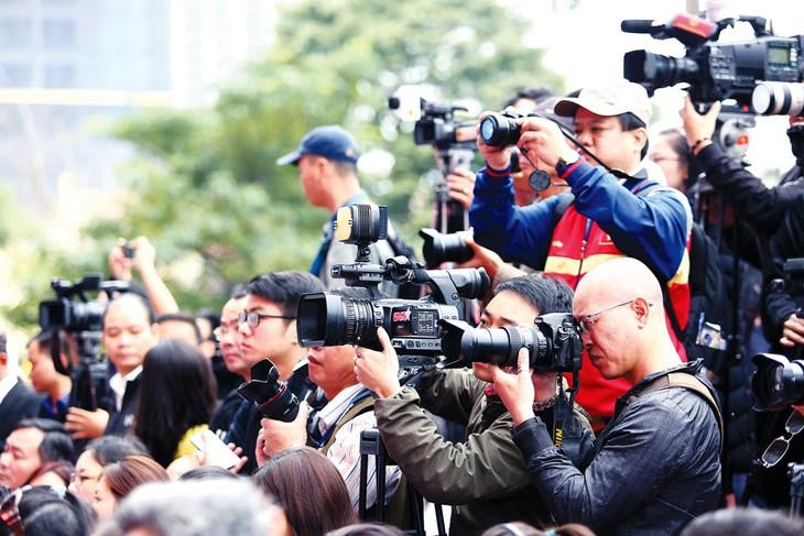 Báo chí xung kích và mở lối