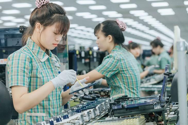 Từ đầu năm đến hết ngày 15/6/2020, nhóm doanh nghiệp FDI xuất siêu 12,07 tỷ USD. Ảnh: Việt Hưng