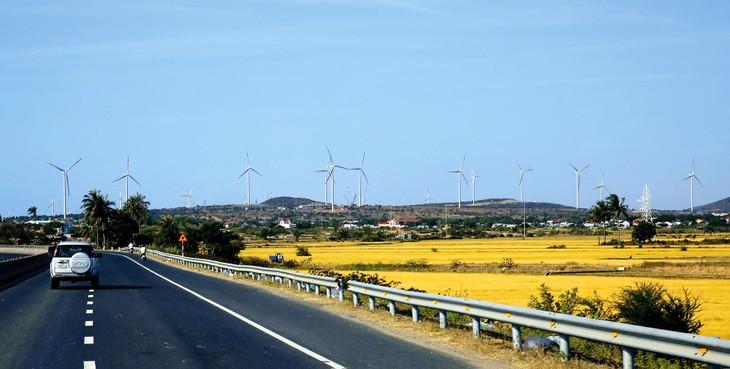Đấu thầu lựa chọn nhà đầu tư phát triển dự án năng lượng tái tạo giúp đảm bảo sự thành công cao của dự án nhờ đánh giá được năng lực nhà đầu tư. Ảnh: Lê Tiên