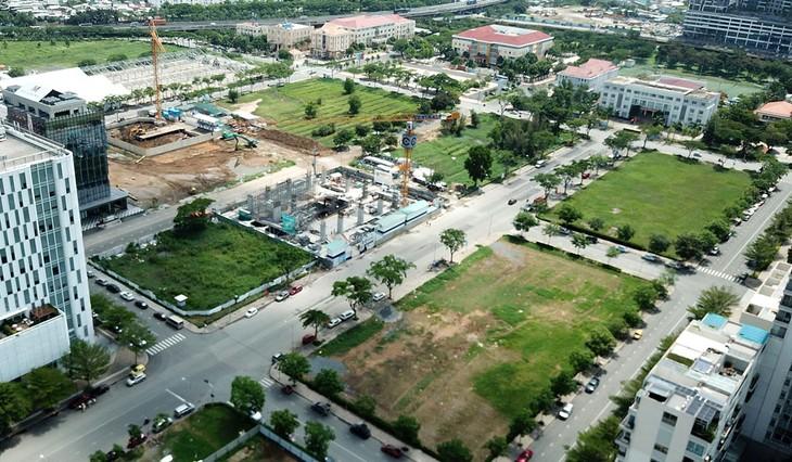 UBND tỉnh Đồng Tháp kiến nghị Thủ tướng Chính phủ tháo gỡ vướng mắc trong quá trình thực hiện phương án sử dụng đất của Công ty CP Thương mại Dầu khí Đồng Tháp. Ảnh: Song Lê