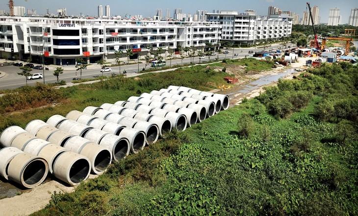 Nhiều gói thầu xây lắp thuộc Dự án Vệ sinh môi trường TP.HCM giai đoạn 2 bị chậm tiến độ. Ảnh: Lê Tiên