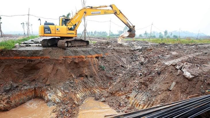 Gói thầu số 38 (C1-QN-W5) Thi công xây dựng kênh N6 (DATP2) trị giá 24,523 tỷ đồng. Ảnh: Quốc Học
