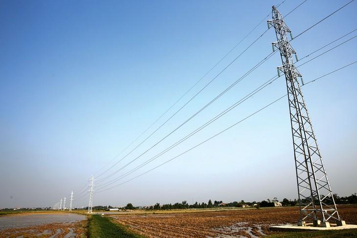 Nhiều dự án lưới điện đã lùi tiến độ hoàn thành nhưng vẫn khó về đích theo cam kết. Ảnh: Phú An