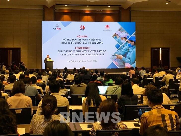 Toàn cảnh hội nghị Hỗ trợ doanh nghiệp phát triển chuỗi giá trị bền vững. Ảnh: Bnews