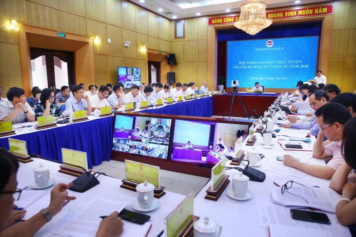 Bộ trưởng Bộ KH&ĐT Nguyễn Chí Dũng chủ trì Giao ban trực tuyến ngành Kế hoạch và Đầu tư năm 2020. Ảnh: Lê Tiên