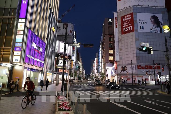 Quang cảnh đường phố tại Tokyo, Nhật Bản ngày 14/5/2020. Ảnh: THX/TTXVN