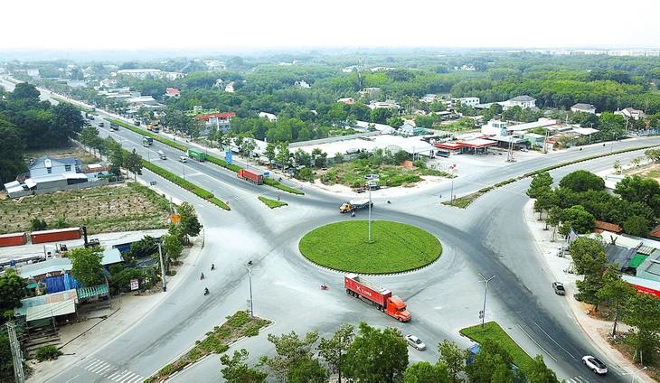 Dự án Đường Mỹ Phước - Tân Vạn kết nối tỉnh Bình Dương và TP.HCM do Tổng công ty Becamex IDC làm chủ đầu tư. Ảnh: Lê Tiên