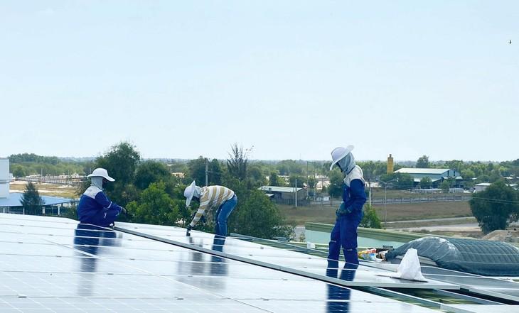 Nhiều hệ thống điện mặt trời chưa thể ký hợp đồng và thanh toán tiền điện. Ảnh: Trung Thành
