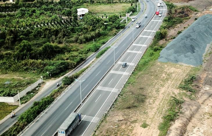 13 gói thầu xây lắp thuộc 3 đoạn Cao tốc Bắc - Nam: Gia hạn đóng thầu đến ngày 4/9