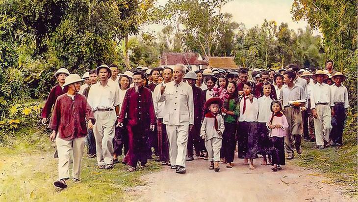 Hạt nhân, nguồn gốc sâu xa và chủ yếu của sức mạnh dân tộc theo chỉ dẫn của Chủ tịch Hồ Chí Minh chính là tinh thần đại đoàn kết dân tộc dựa trên sự thống nhất về lợi ích căn bản (Ảnh tư liệu).