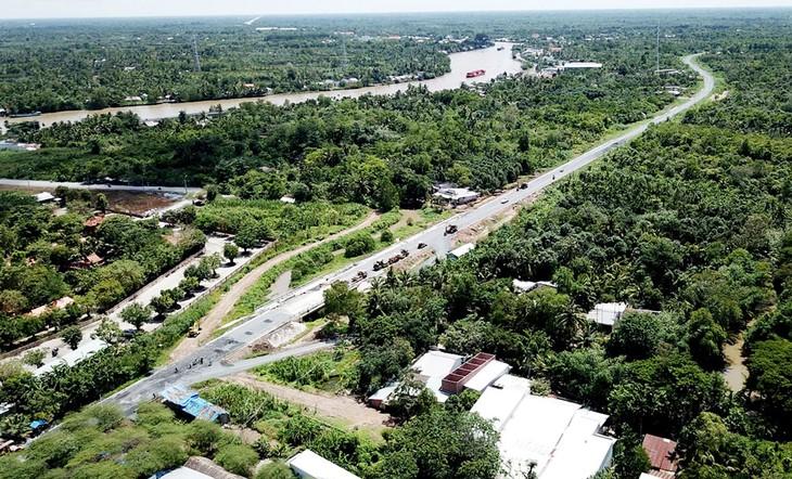 Vĩnh Long mời gọi đầu tư 10 dự án xây dựng các khu, cụm công nghiệp với tổng vốn đầu tư hơn 7.000 tỷ đồng. Ảnh: Nhã Chi