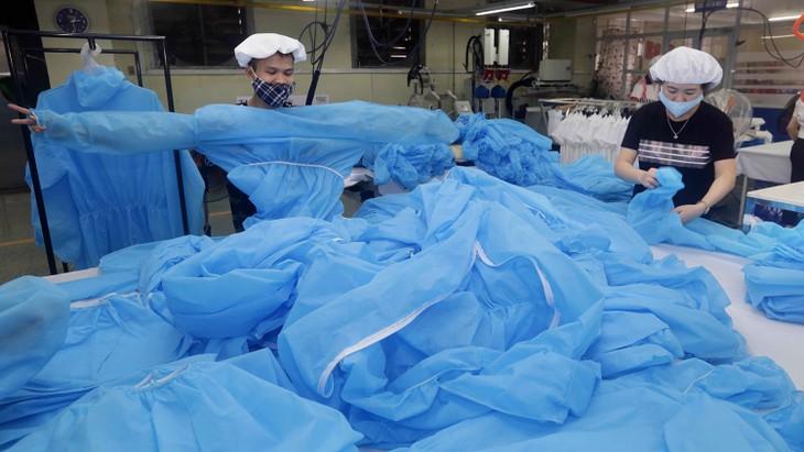 Gói thầu số 01 Đồng phục y tế và khẩu trang kháng khuẩn tại Bệnh viện Đa khoa tỉnh Kiên Giang có giá gói thầu hơn 6,3 tỷ đồng. Ảnh: Trần Việt