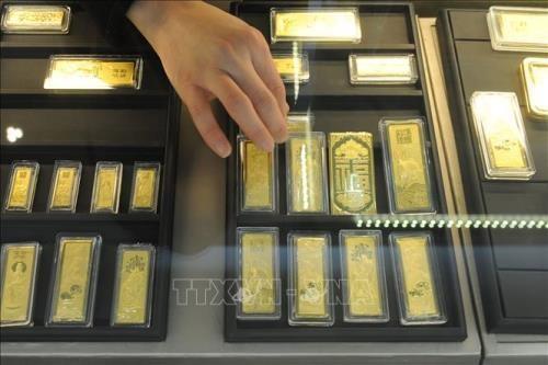 Giá vàng giao dịch quanh mốc 56,5 triệu đồng/lượng. Ảnh: TTXVN