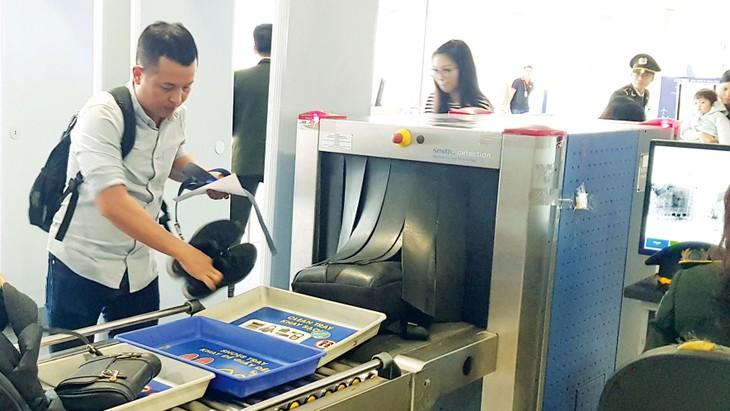 Gói thầu bị kiến nghị do Công ty Quản lý bay miền Bắc làm bên mời thầu, có nội dung cung cấp và lắp đặt 2 máy soi chiếu hành lý và 2 cổng từ. Ảnh minh họa: Thanh Bình