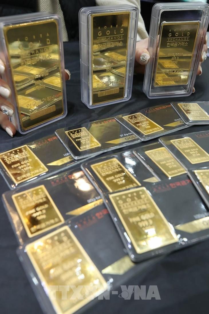 Giá vàng mất mốc 56 triệu đồng/lượng. Ảnh: TTXVN phát