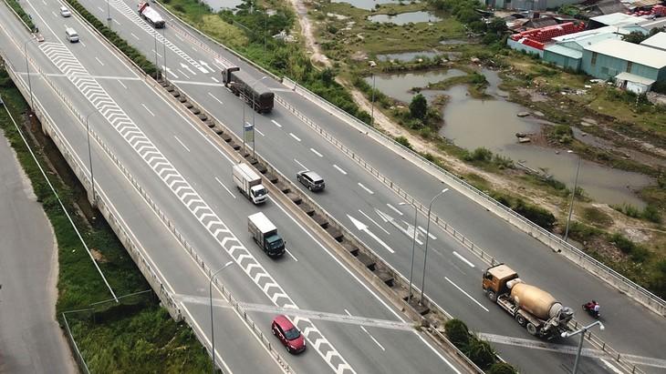 """Đấu thầu 3 đoạn cao tốc Bắc - Nam: Chuyện """"sảy chân"""" của những nhà thầu lớn"""