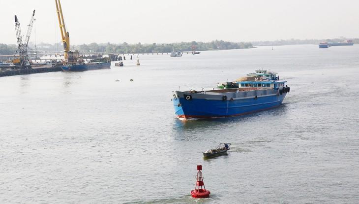 Gói thầu KSTBL-01 Khảo sát phục vụ quản lý và thông báo luồng trên các tuyến đường thủy nội địa quốc gia khu vực miền Bắc năm 2020 có giá gói thầu 11,11 tỷ đồng, thời gian thực hiện hợp đồng 60 ngày. Ảnh: Nhã Chi