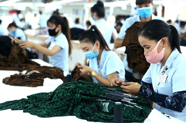 Tốc độ tăng trưởng kinh tế của Việt Nam cả năm 2020 ước đạt trên 2%, phấn đấu đạt khoảng 3%. Ảnh: Lê Tiên
