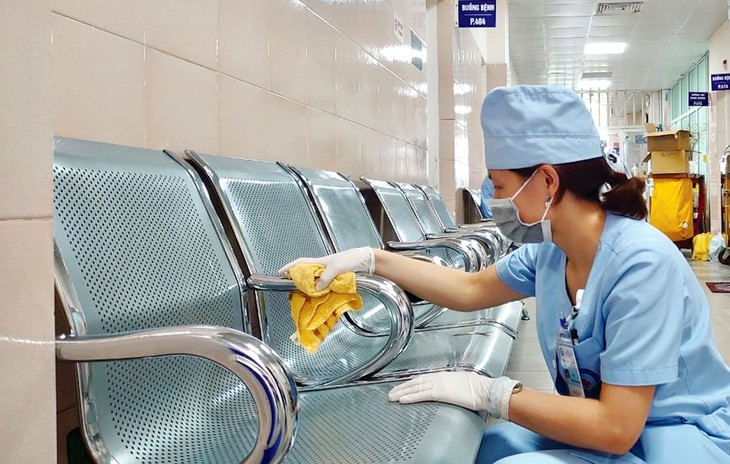 Gói thầu Cung cấp dịch vụ vệ sinh công nghiệp năm 2020 có giá 3.170.572.000 đồng, do Bệnh viện Đa khoa khu vực Cần Giuộc làm chủ đầu tư. Ảnh minh họa: Bưu Điện