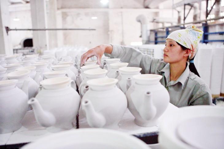 Nhiều doanh nghiệp nhỏ và vừa mong muốn được hỗ trợ theo hướng tập trung vào chuyển đổi số, đáp ứng yêu cầu thị trường; phát triển nguồn nhân lực chất lượng cao… Ảnh: Tường Lâm
