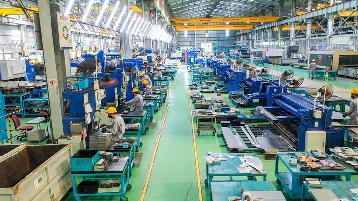 Tổ hợp Cơ khí THACO Chu Lai chế tạo các sản phẩm cơ giới hoá trên toàn bộ chuỗi giá trị sản xuất từ trồng trọt, thu hoạch đến chế biến, vận chuyển, bảo quản