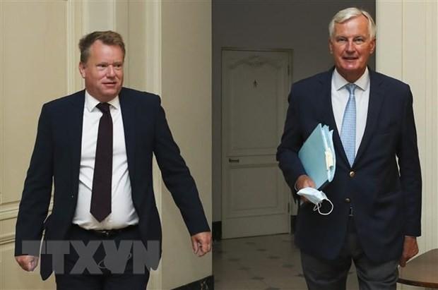 Trưởng đoàn đàm phán thương mại hậu Brexit của Anh David Frost (trái) và người đồng cấp EU Michel Barnier (phải) tại vòng đàm phán thứ 7 ở Brussels, Bỉ ngày 21/8/2020. (Nguồn: AFP/TTXVN)