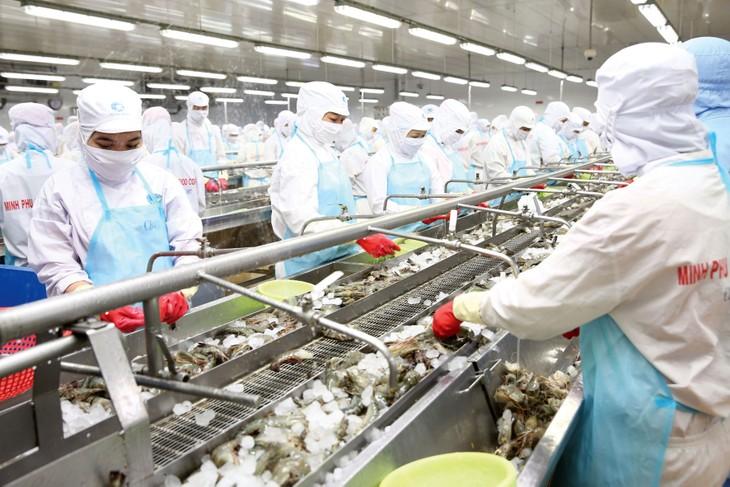 Với 13 hiệp định thương mại tự do (FTA) có hiệu lực, Việt Nam đã và đang mở cửa mạnh thị trường nội địa cho hàng hóa từ 51 nước đối tác FTA. Ảnh: Lê Tiên