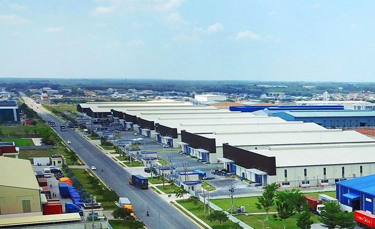 Các khu công nghiệp, khu kinh tế thu hút được 8,3 tỷ USD vốn đăng ký mới và tăng thêm trong 10 tháng năm 2020. Ảnh: Lê Tiên
