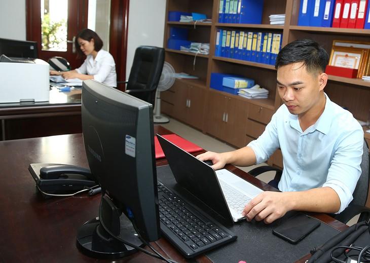 Hiện 5 tỉnh Tây Nguyên đã kết nối, liên thông gửi, nhận văn bản điện tử qua trục liên thông văn bản quốc gia, bước đầu đã triển khai xử lý hồ sơ công việc trên môi trường điện tử. Ảnh minh họa: Nhã Chi