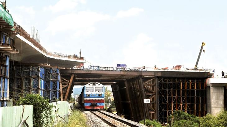 Công trình nút giao thông khác mức đường số 2 Khu đô thị Nam TP. Tuy Hòa - đường Nguyễn Văn Linh đã cơ bản hoàn thành. Ảnh: St