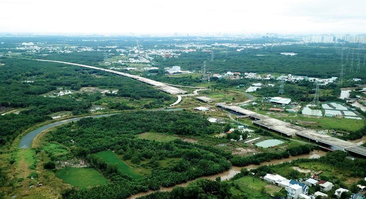 Dồn lực đầu tư cho cao tốc Bắc - Nam phía Đông