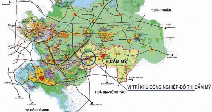 Khu công nghiệp Cẩm Mỹ được quy hoạch với diện tích khoảng 306,79 ha, tiếp giáp khu đô thị dịch vụ sân bay quốc tế Long Thành đang từng bước hình thành