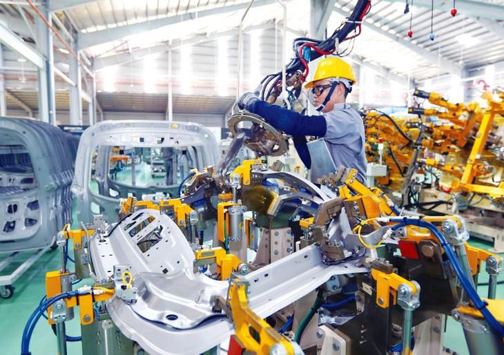 Lực lượng doanh nghiệp tư nhân đã góp phần thực hiện mục tiêu công nghiệp hóa, hiện đại hóa, tạo dấu ấn, nâng cao vị thế, uy tín của Việt Nam trên trường quốc tế. Ảnh: Lê Tiên