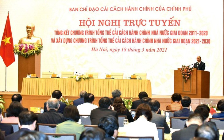 Thủ tướng Nguyễn Xuân Phúc chủ trì Hội nghị tổng kết Chương trình tổng thể Cải cách hành chính nhà nước giai đoạn 2011 - 2020. Ảnh: Trần Hải