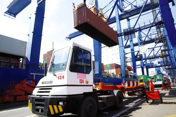 Tốc độ tăng tổng kim ngạch xuất khẩu năm 2020 đạt 7%, vượt mục tiêu được Quốc hội giao. Ảnh: Lê Tiên