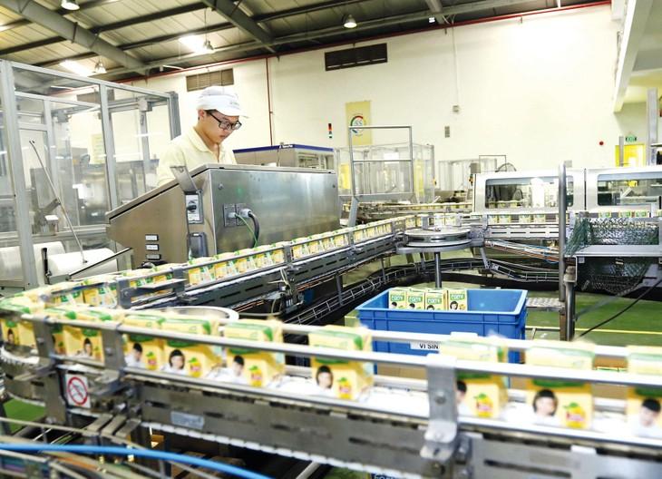 Ngành công nghiệp chế biến, chế tạo tiếp tục đóng vai trò động lực dẫn dắt tăng trưởng của nền kinh tế trong quý I với mức tăng 9,45% so với cùng kỳ năm trước. Ảnh: Huấn Anh