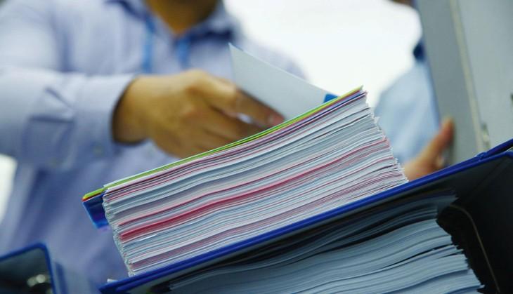 HSMT Gói thầu In, đóng quyển tài liệu phục vụ các hội nghị truyền thông năm 2021 yêu cầu sản phẩm đạt tiêu chuẩn Rohs (hoặc tương đương). Ảnh: Nhã Chi