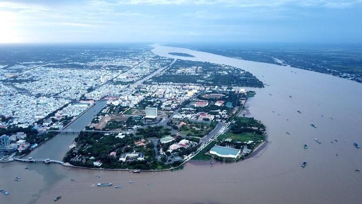 Gói thầu Thi công xây lắp kè chống sạt lở khu vực chợ Mỹ Khánh (huyện Phong Điền, TP. Cần Thơ) có giá 150,714 tỷ đồng. Ảnh: Tâm An