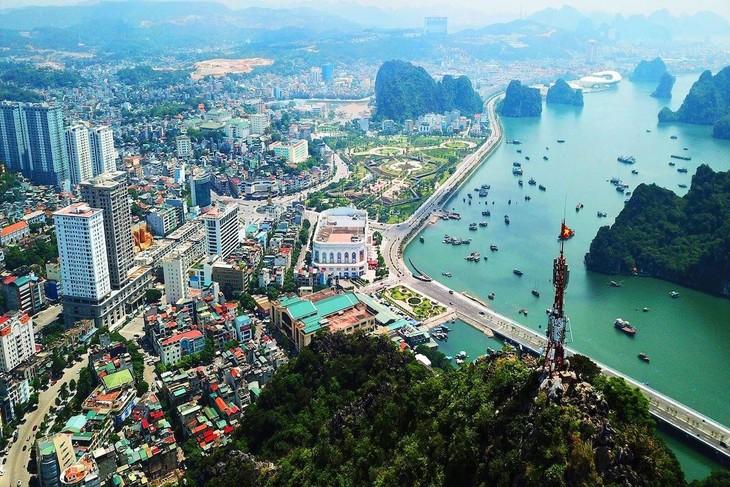 Quảng Ninh dẫn đầu bảng xếp hạng PCI năm thứ 4 liên tiếp với số điểm đánh giá 75,09, tăng 1,69 điểm so với năm 2019. Ảnh: Internet