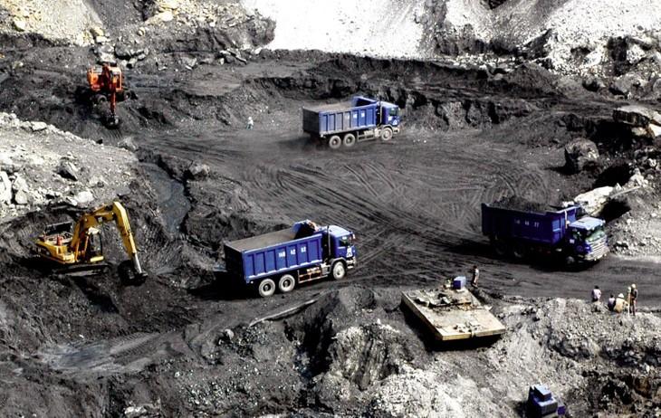 Công ty CP Sản xuất và Thương mại Than Uông Bí là doanh nghiệp chuyên vận chuyển than, cung cấp nhiên liệu, phụ tùng sửa chữa ô tô, sản xuất vật liệu xây dựng...