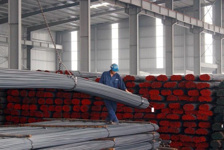 Giá vật liệu tăng cao khiến các nhà thầu xây dựng gặp rất nhiều khó khăn. Ảnh: Tường Lâm