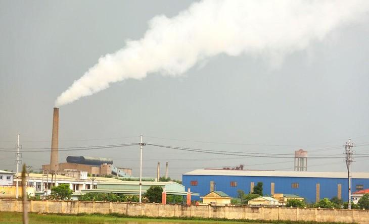 Dự thảo Chiến lược quốc gia về tăng trưởng xanh đặt mục tiêu giảm cường độ phát thải khí nhà kính đến năm 2030 là 10 - 15%; đến năm 2050 giảm 20 - 25%. Ảnh: Lê Tiên