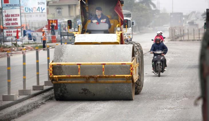 Dự án Cải tạo, nâng cấp Quốc lộ 10, đoạn từ cầu Đá Bạc đến cầu Kiền là mắt xích quan trọng kết nối Quảng Ninh - Hải Phòng - Hà Nội. Ảnh: Tiên Giang