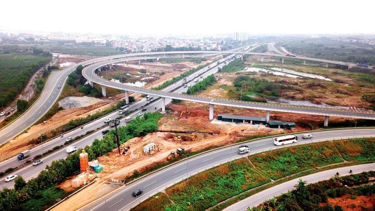 Việt Nam sở hữu nhiều điều kiện tốt như thị trường năng động, đang thực hiện những cải cách mạnh mẽ về môi trường kinh doanh, hạ tầng, nguồn nhân lực… Ảnh: Lê Tiên