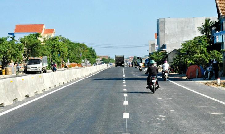 Công trình mở rộng Quốc lộ 1 đoạn Km1063+877 - Km1092+577 tỉnh Quảng Ngãi đã đưa vào khai thác từ năm 2016. Ảnh: M. Toàn