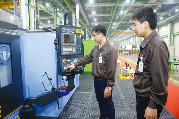 Những ưu đãi đặc biệt sẽ được dành cho các dự án quy mô lớn, thuộc các ngành công nghệ cao, đổi mới sáng tạo... đóng góp vào sự phát triển bền vững kinh tế - xã hội của Việt Nam. Ảnh: Song Lê