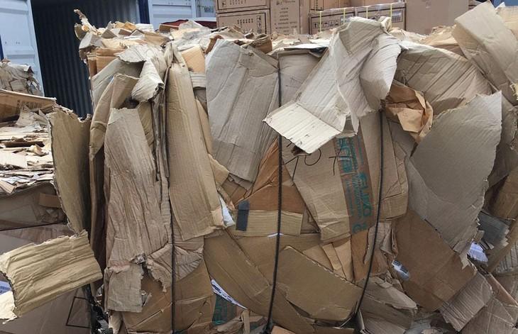 Tài sản bán đấu giá là phế liệu nhựa và phế liệu giấy tồn đọng tại cảng Cái Mép (Bà Rịa - Vũng Tàu). Ảnh minh họa: Nguyễn Nga